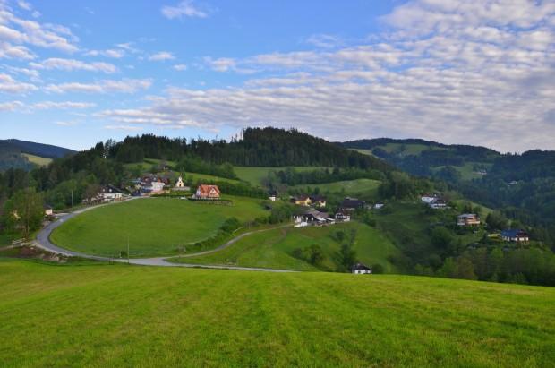 In herrlicher Lage liegt unser kleines Dorf Rossegg