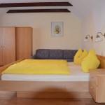 Süsse Träume - Schlafzimmer Ferienwohnung Kaminfeuer