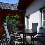 Von der Küche in auf die eigene Terrasse. Ja, so schön kann Urlaub sein!